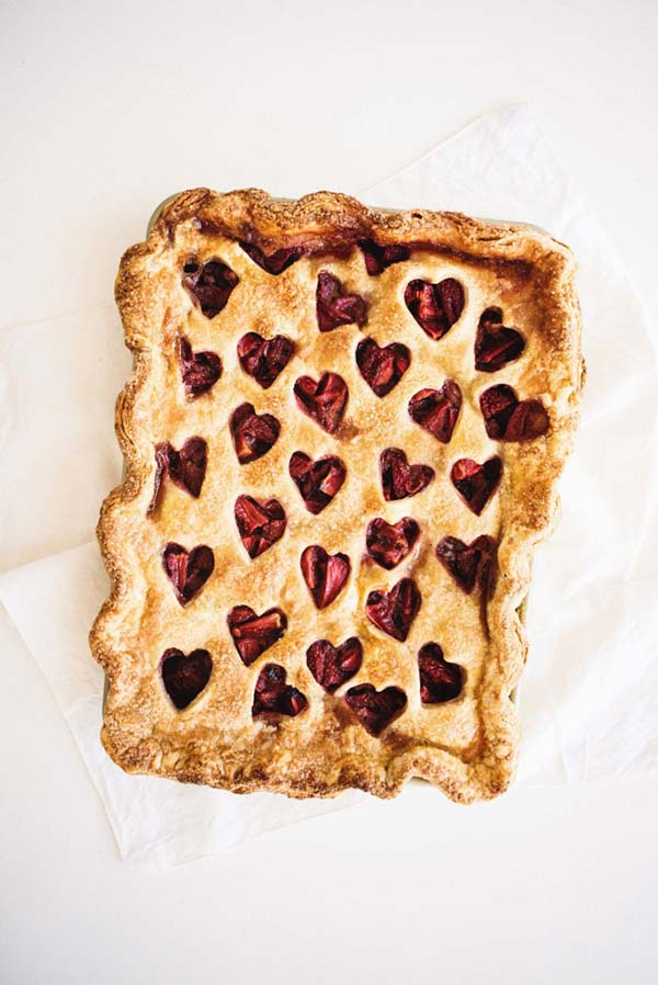 Strawberry-Balsamic-Slab-Pie-3-684x1024